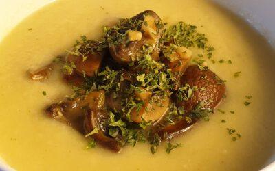 Venkel soep met kastanje champignons